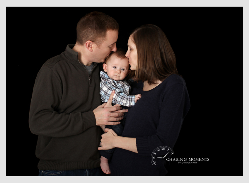 professional baby photos with mom and dad